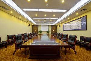 辅楼二层中二会议室